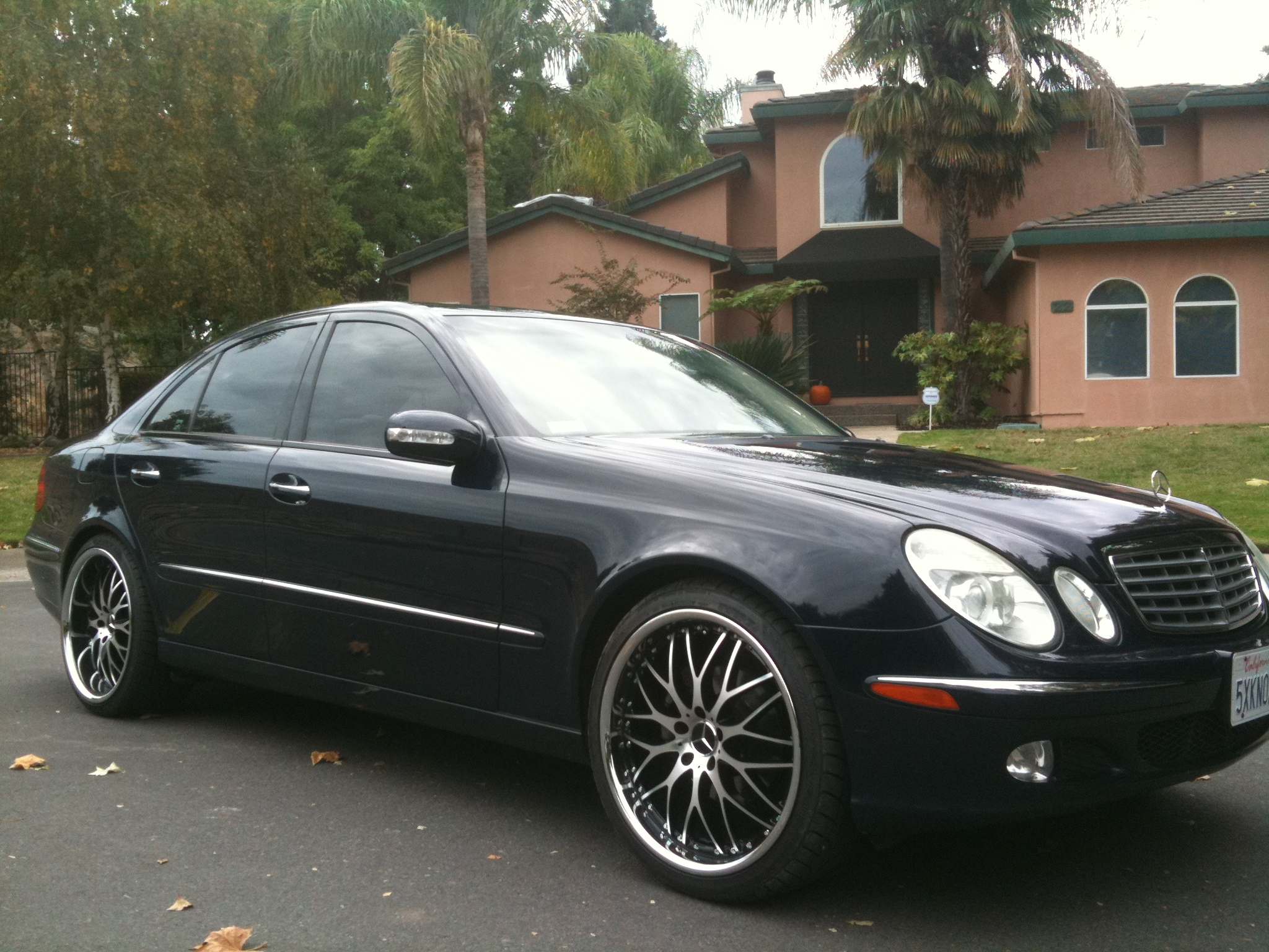 2005 mercedes benz e class information and photos for Mercedes benz 2005 e class