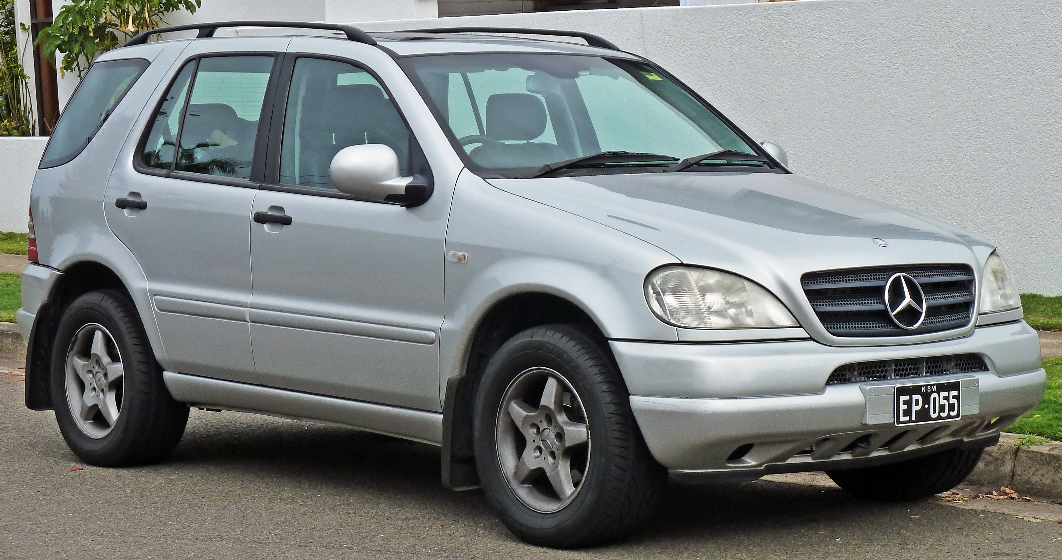 2001 mercedes benz m class information and photos for Facts about mercedes benz