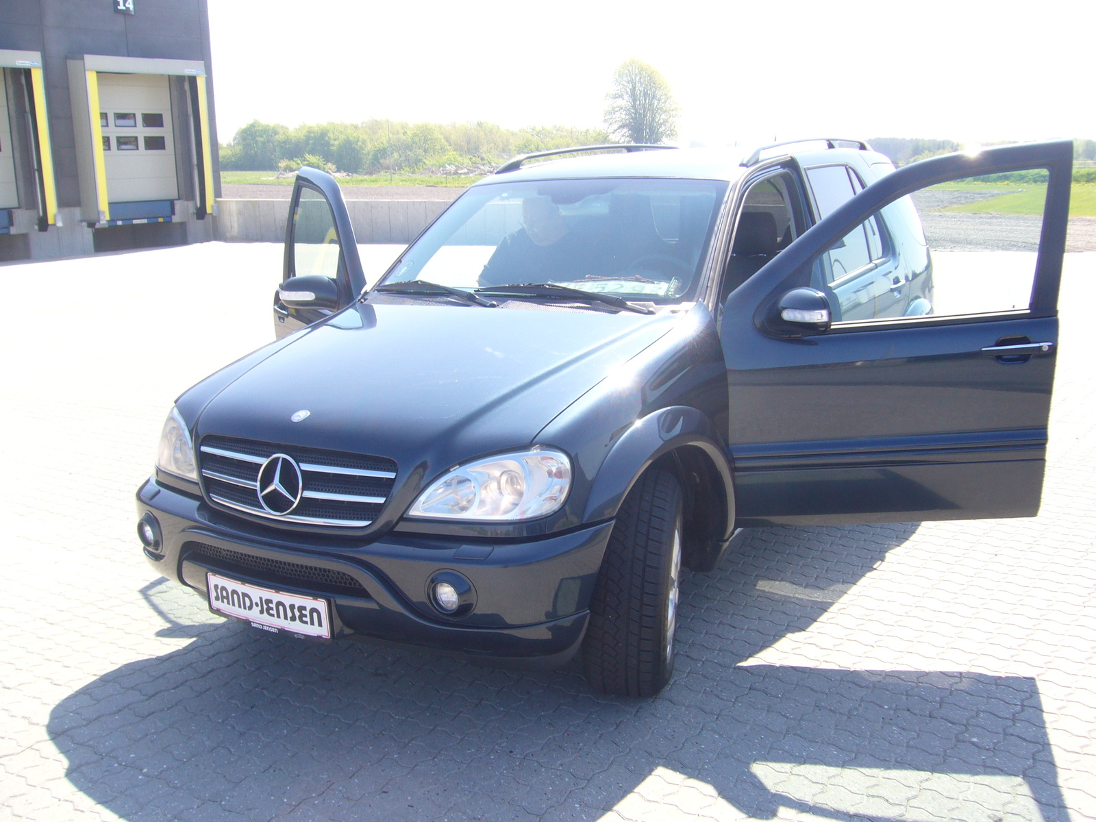 Mercedes benz m class 589px image 5 for 2002 mercedes benz suv