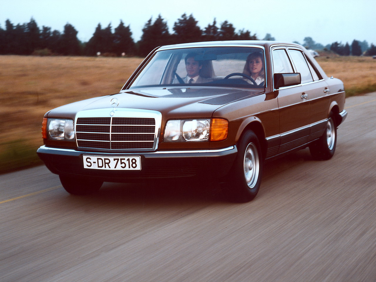 1983 mercedes benz s class information and photos for Mercedes benz 1983