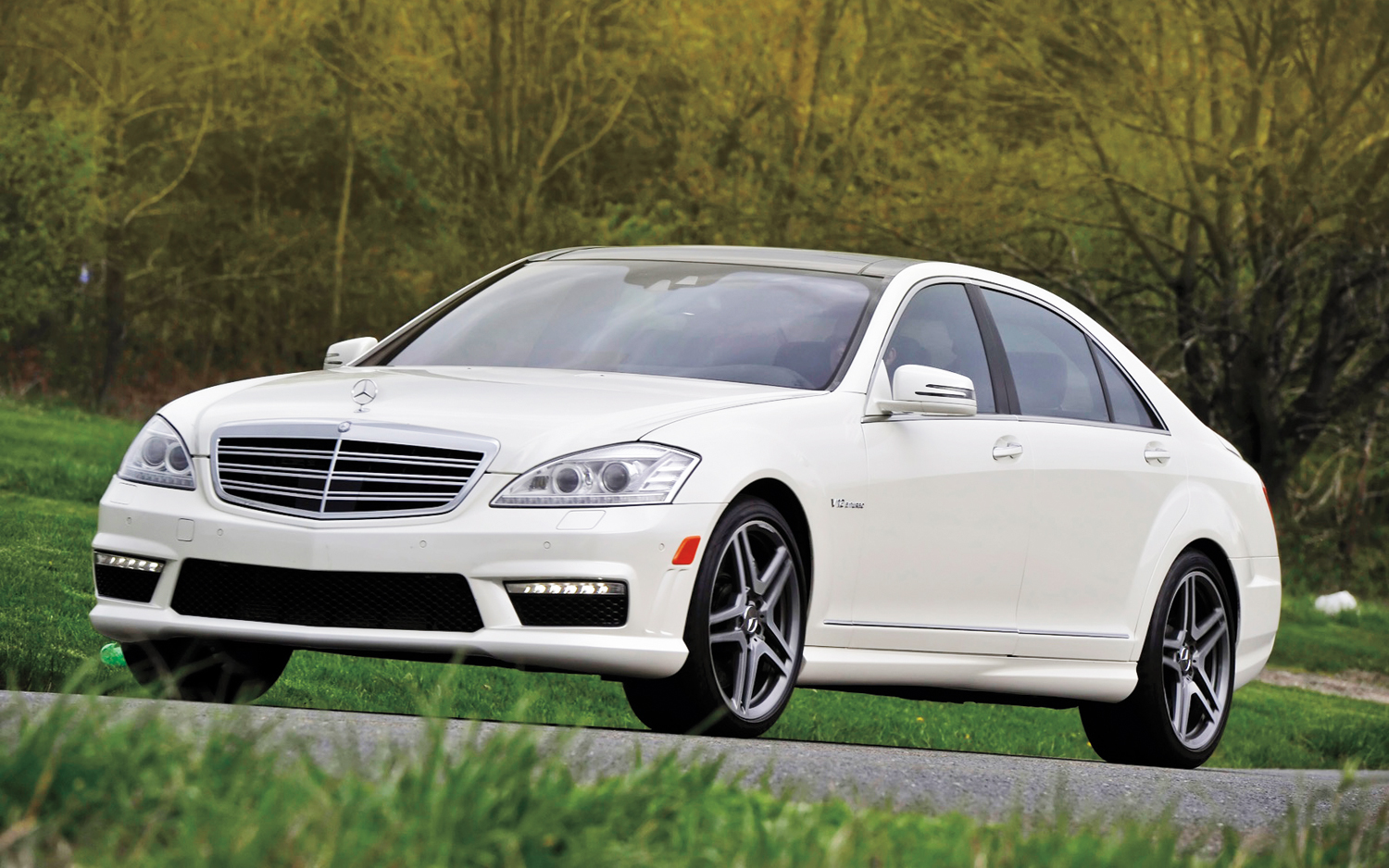 Service manual 2012 mercedes benz s class removing from a for Mercedes benz parts catalog online free download