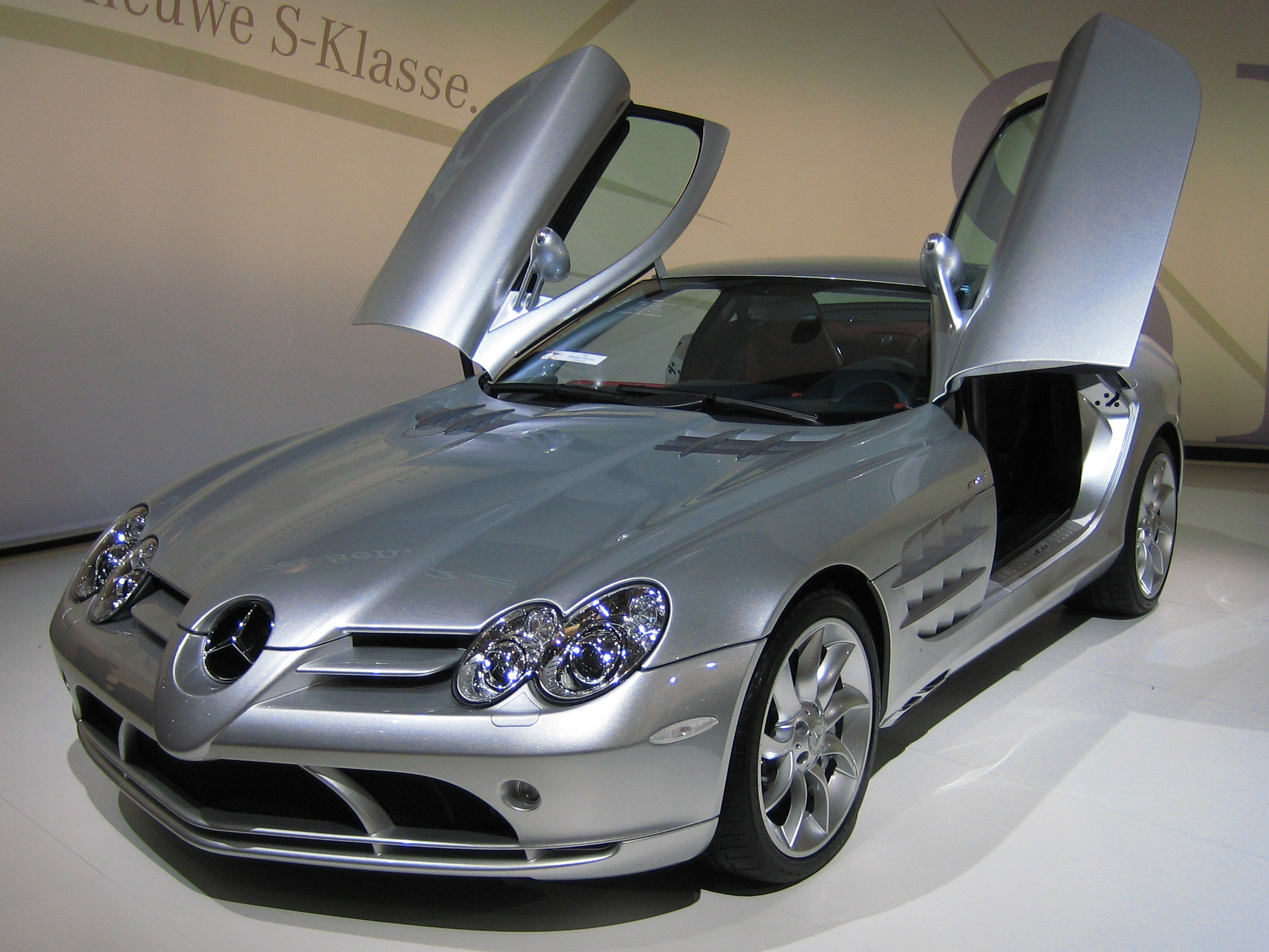 Mercedes-Benz SLR McLaren Base #1