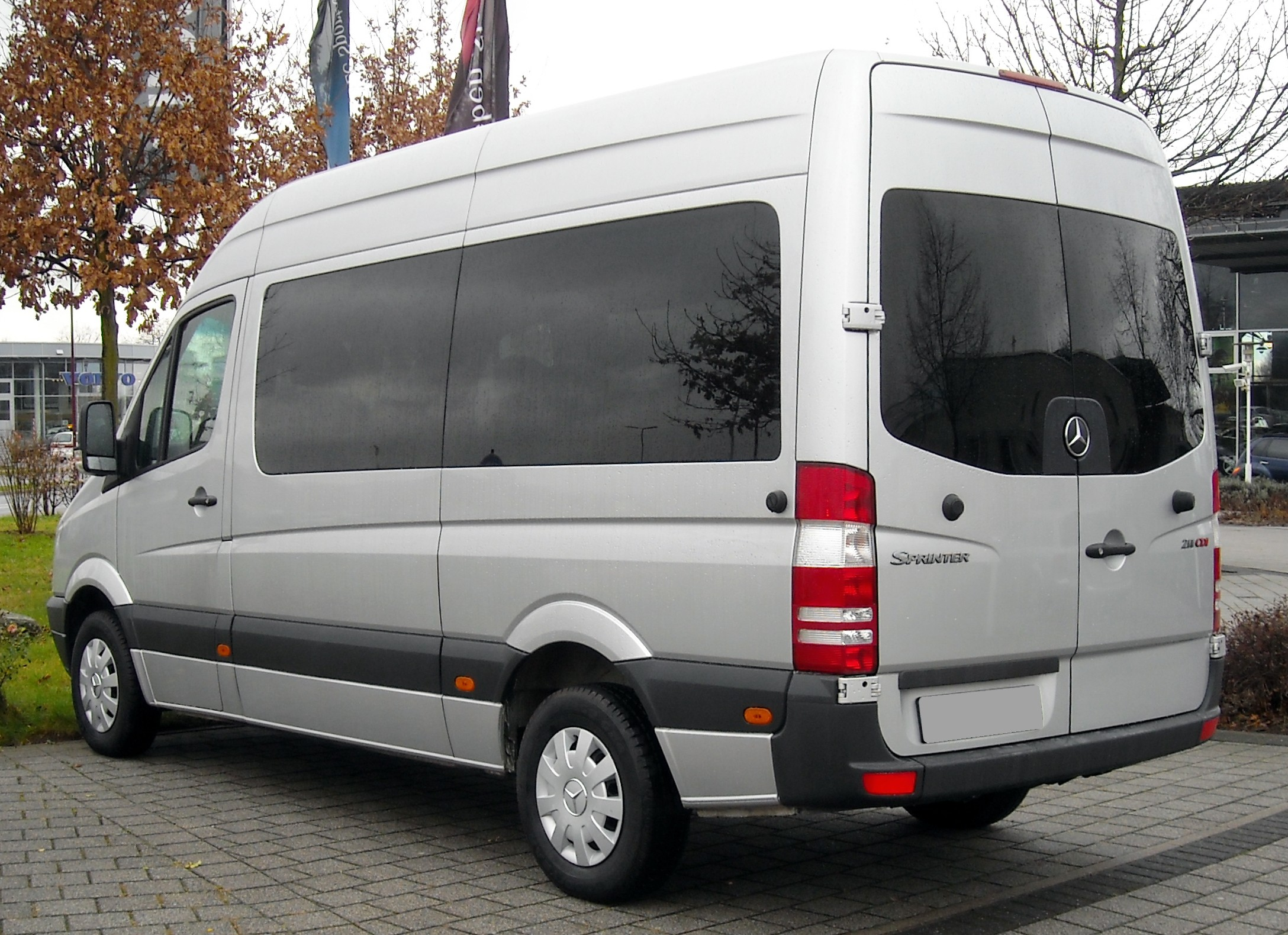 Mercedes Benz Sprinter Information And Photos Momentcar