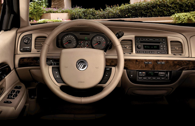 Mercury Grand Marquis 2010 #2