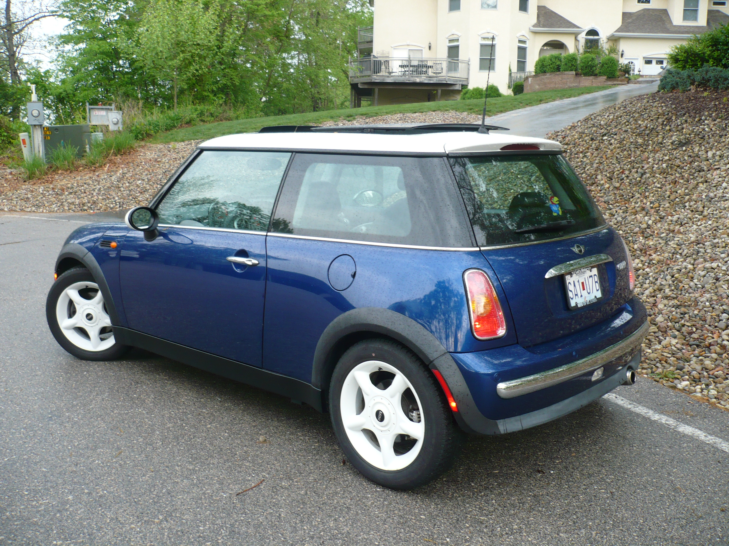 2002 mini cooper information and photos momentcar. Black Bedroom Furniture Sets. Home Design Ideas