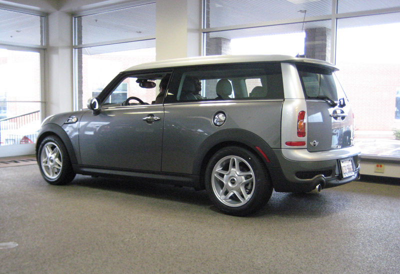 2009 mini cooper clubman information and photos momentcar. Black Bedroom Furniture Sets. Home Design Ideas