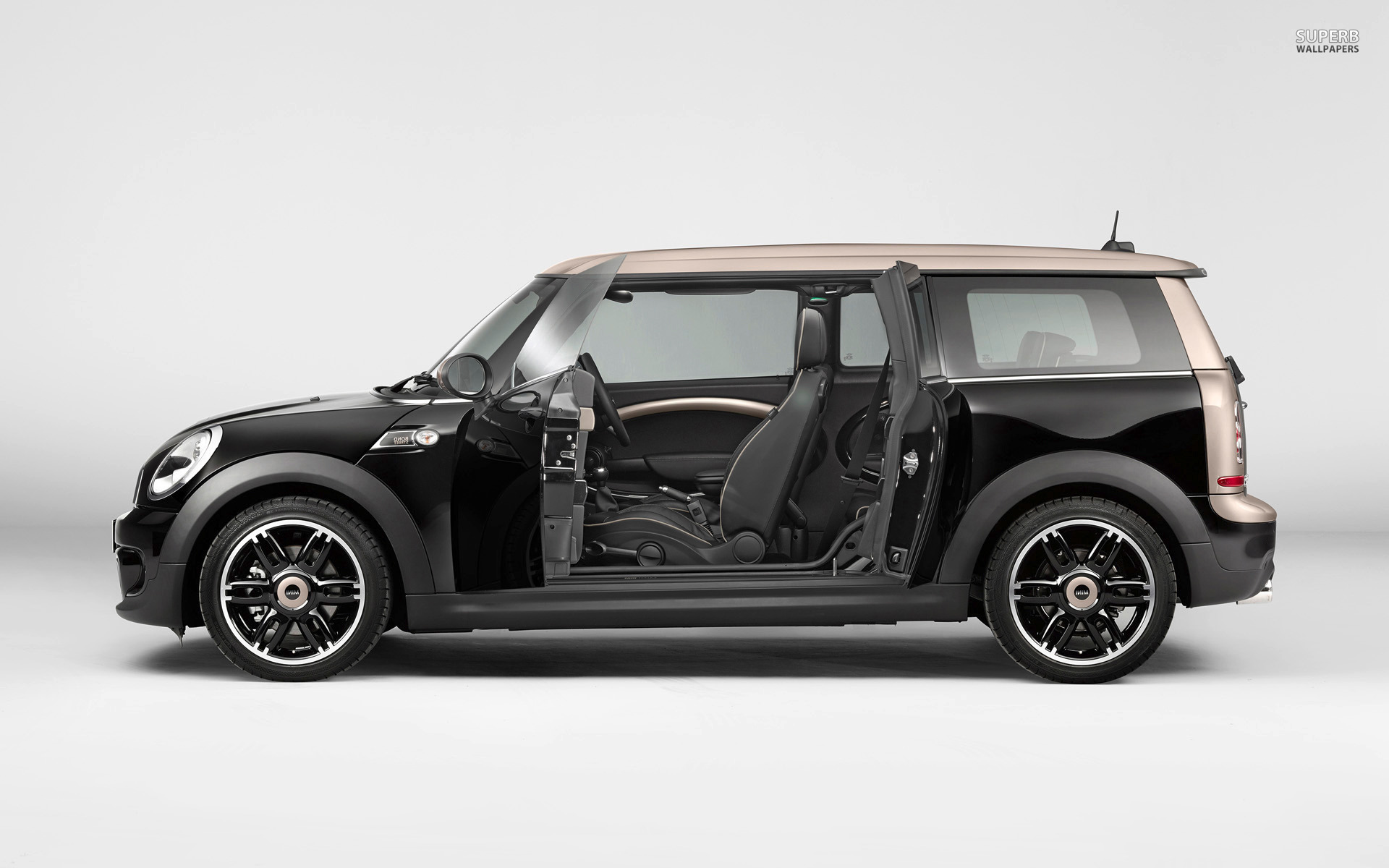 2013 mini cooper clubman information and photos momentcar. Black Bedroom Furniture Sets. Home Design Ideas