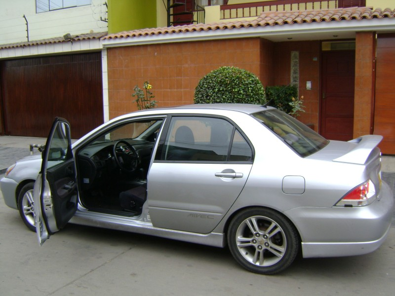 2004 Mitsubishi Lancer - Information and photos - MOTcar