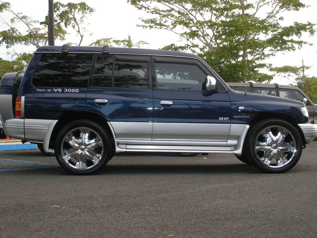 1998 Mitsubishi Montero Information And Photos Momentcar
