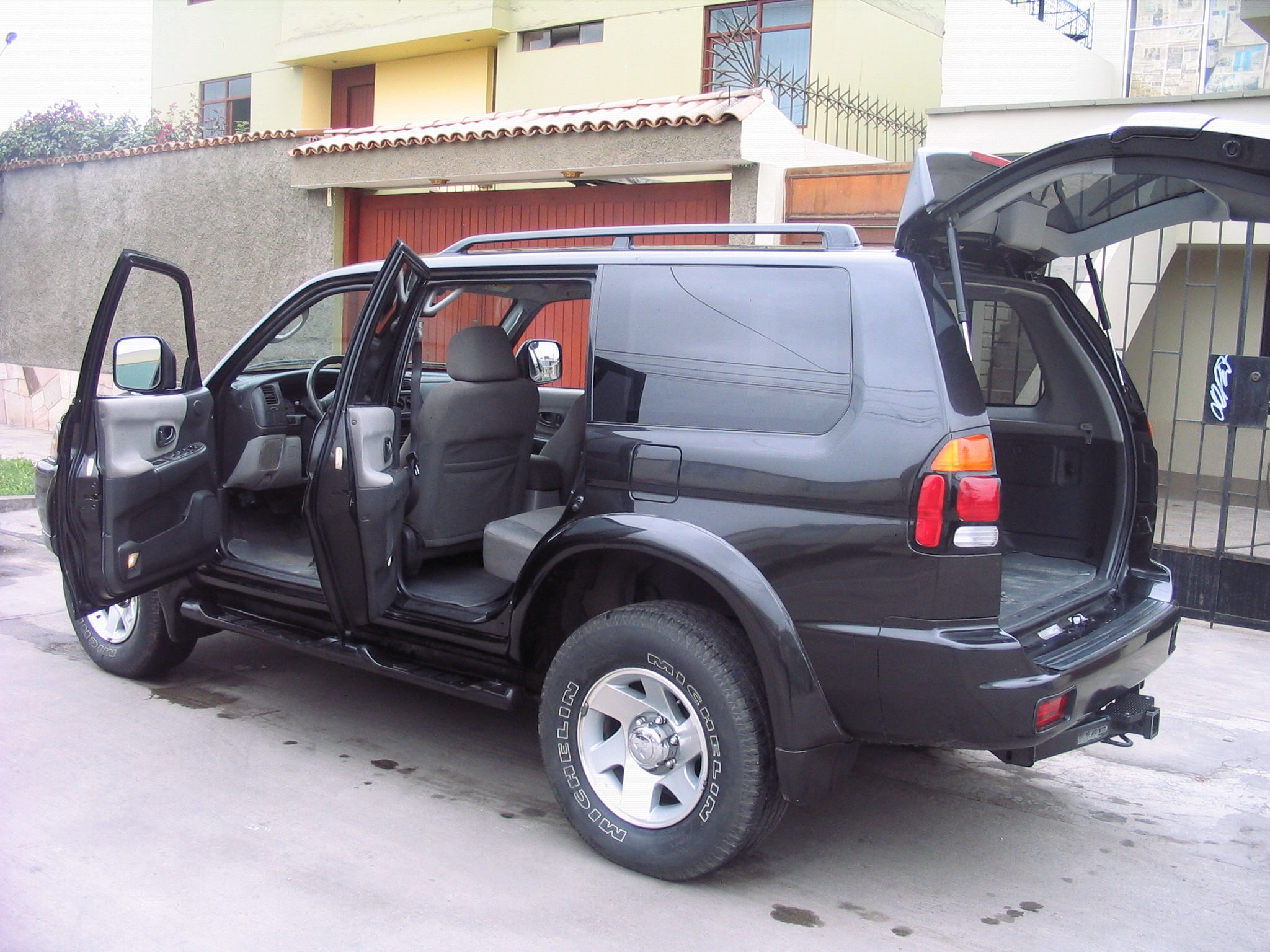 2002 mitsubishi montero sport information and photos momentcar
