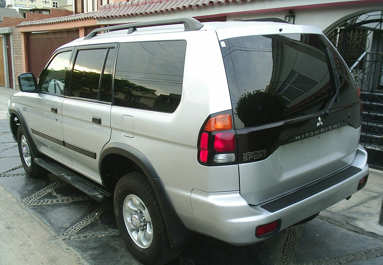 2003 mitsubishi montero sport information and photos momentcar - Mitsubishi Montero 2003 Interior