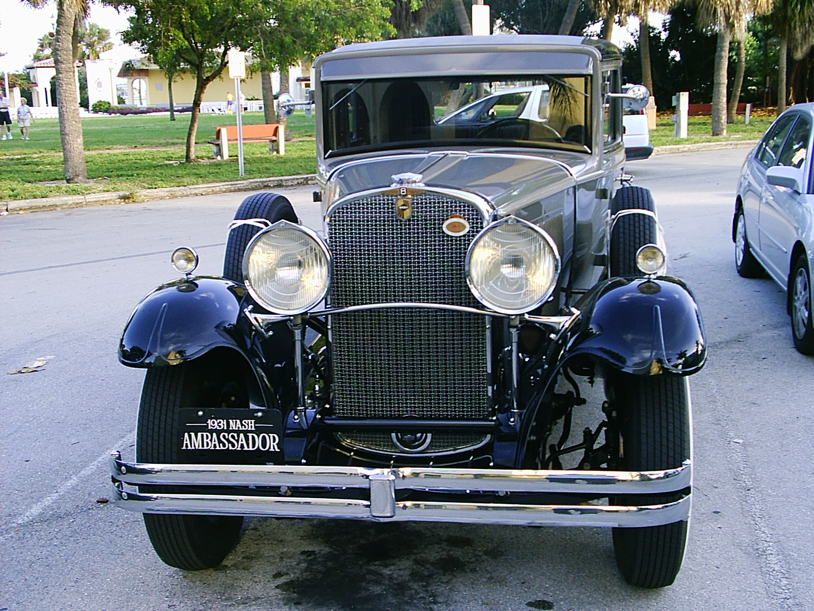 1932 Nash Standard Eight - Information and photos - MOMENTcar