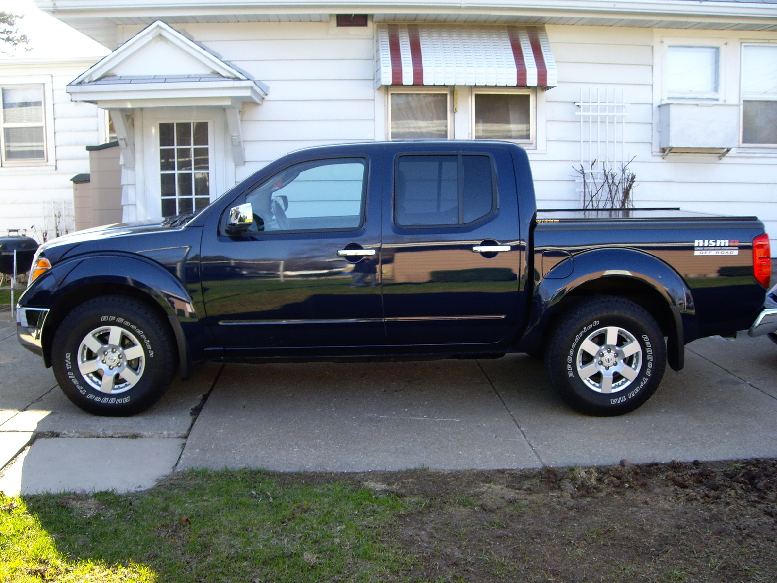 2006 nissan frontier information and photos momentcar nissan frontier 2006 3 nissan frontier 2006 3 vanachro Gallery