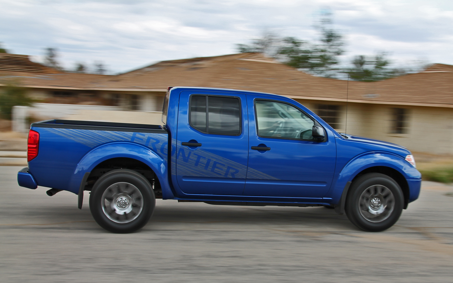 2012 Nissan Frontier - Information and photos - MOTcar