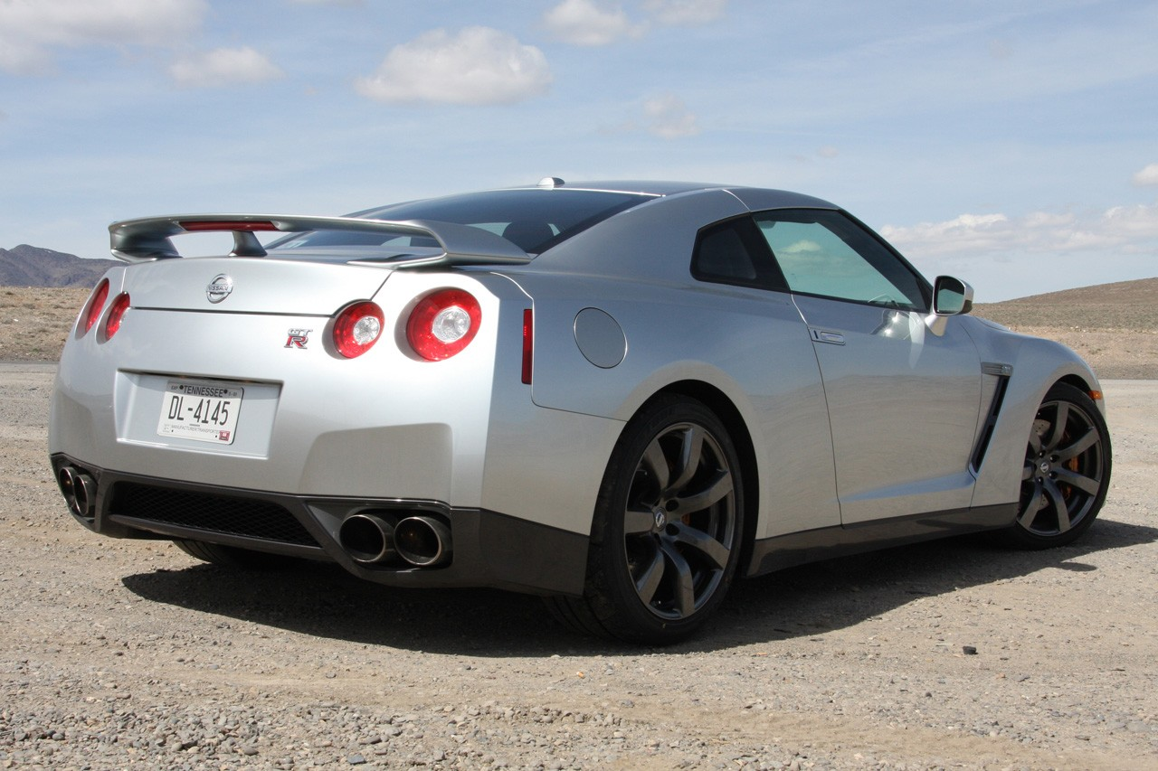 2009 Nissan GT-R - Information and photos - MOMENTcar