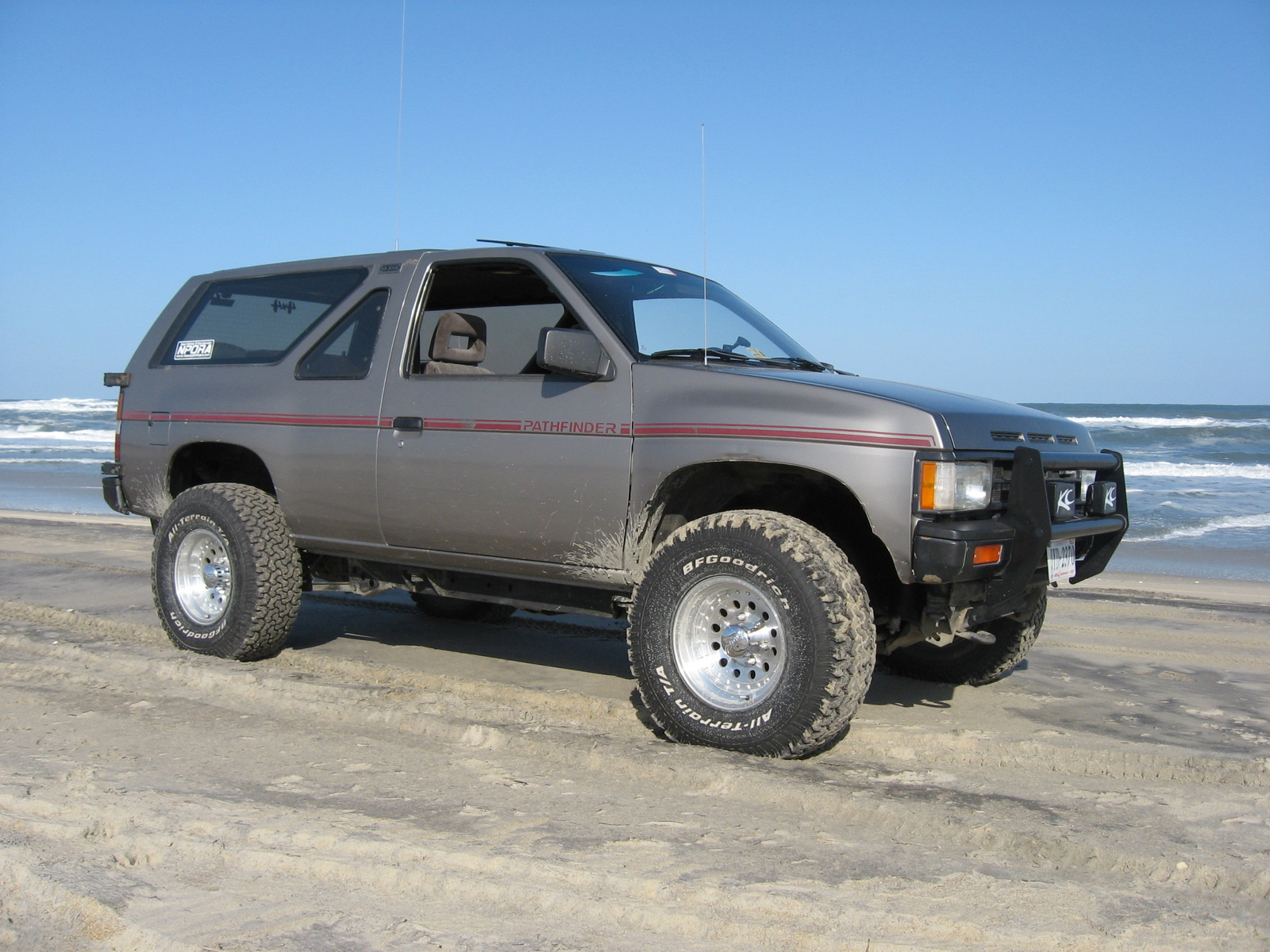 Download nissan-pathfinder-1987-11.jpg