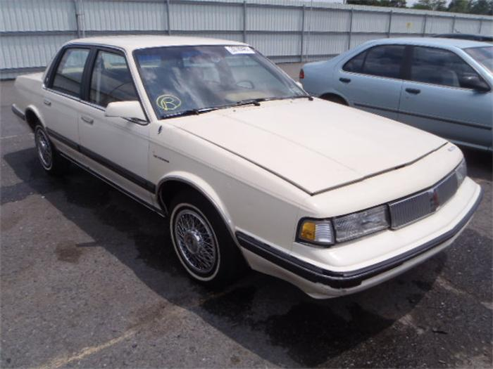 Oldsmobile 1990 facelift hit the car market in 90s #7