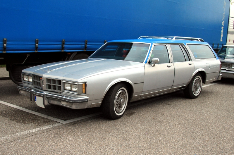 Oldsmobile Custom Cruiser 1986 #13