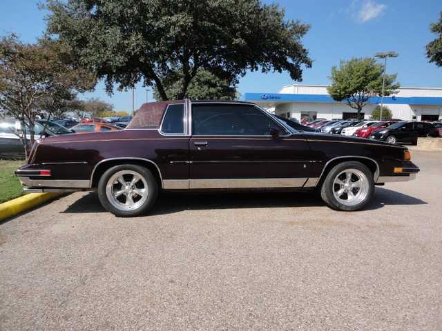 Oldsmobile Cutlass Supreme 1988 9