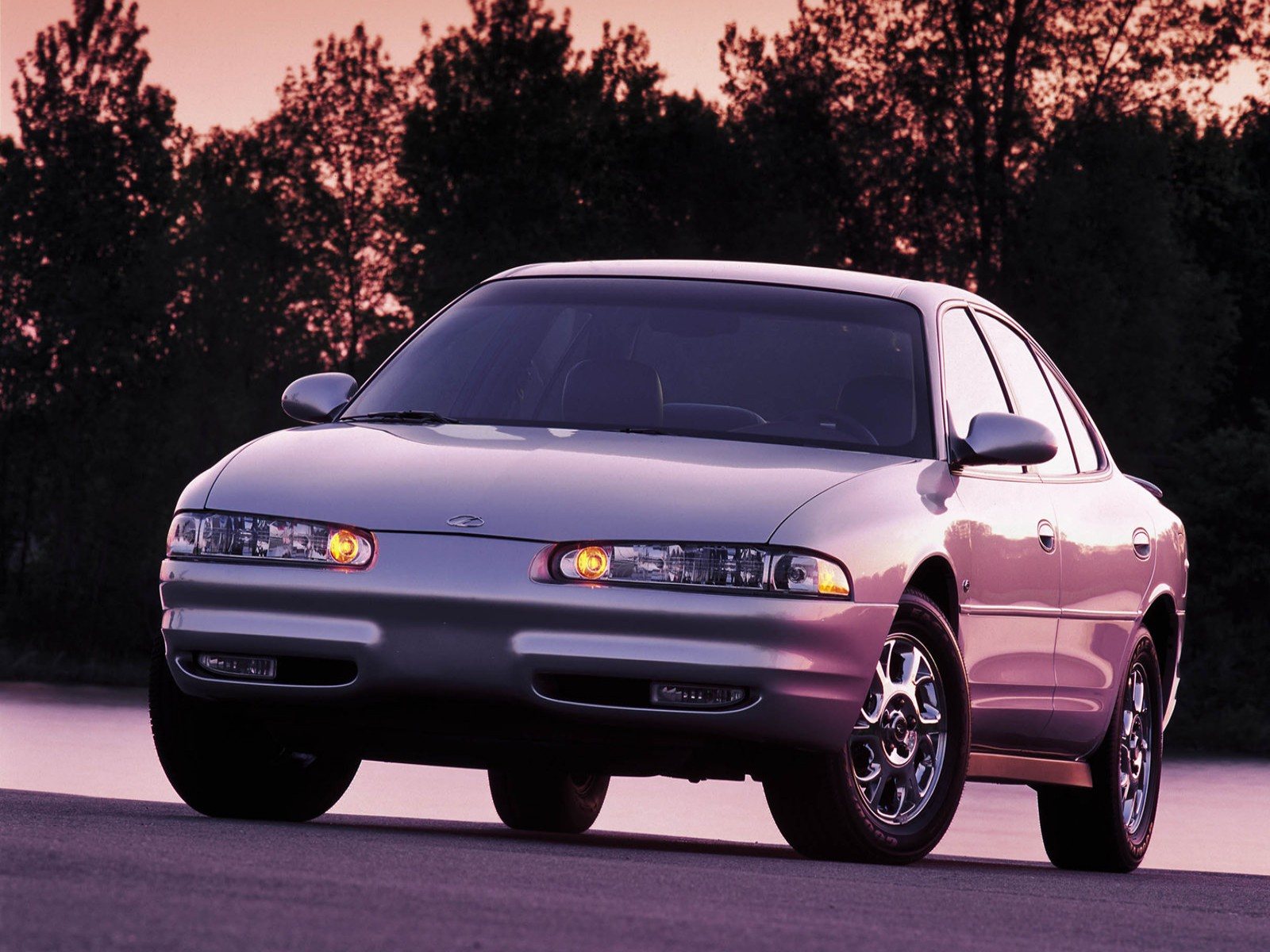 Oldsmobile Intrigue 2000 #8