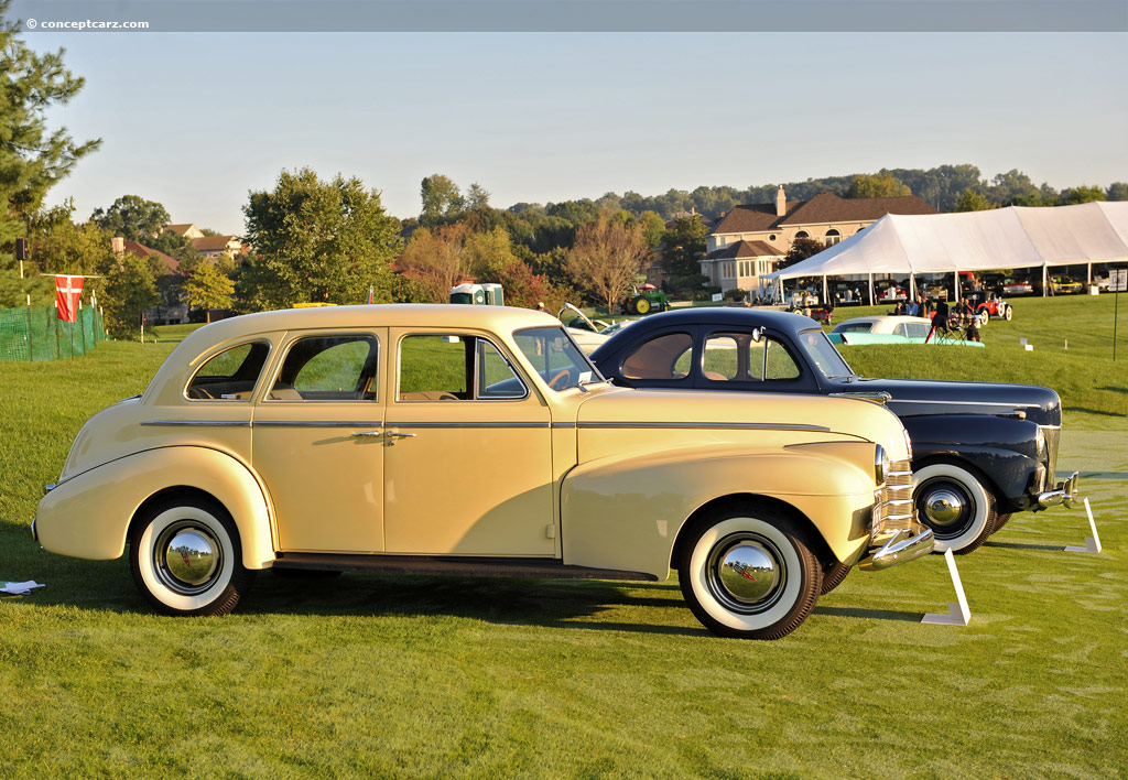 1940 Oldsmobile Model L-40 - Information and photos - MOMENTcar