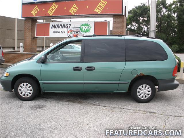 Plymouth Grand Voyager 1999 #2