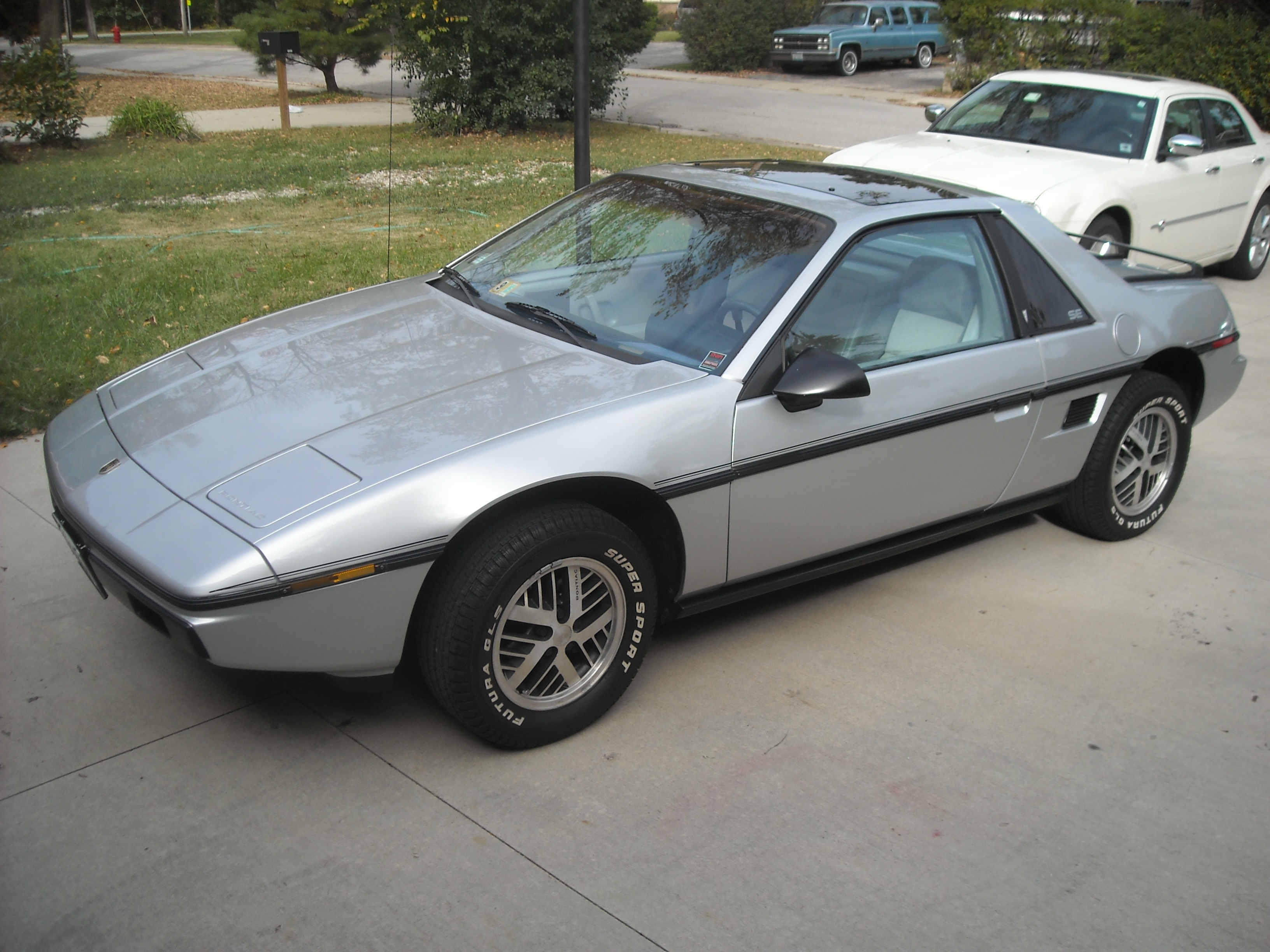 1985 pontiac fiero information and photos momentcar. Black Bedroom Furniture Sets. Home Design Ideas