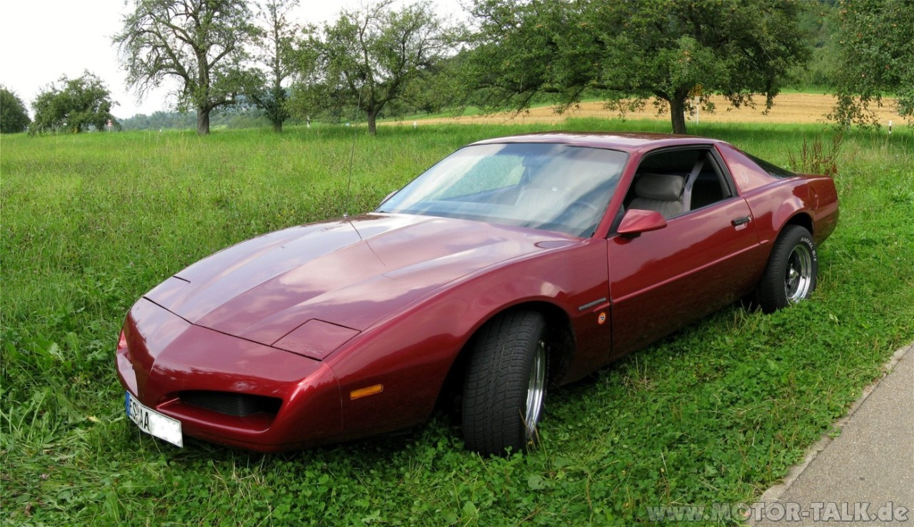 Phoenix Nissan 1991 Pontiac Firebird - Information and photos - MOMENTcar