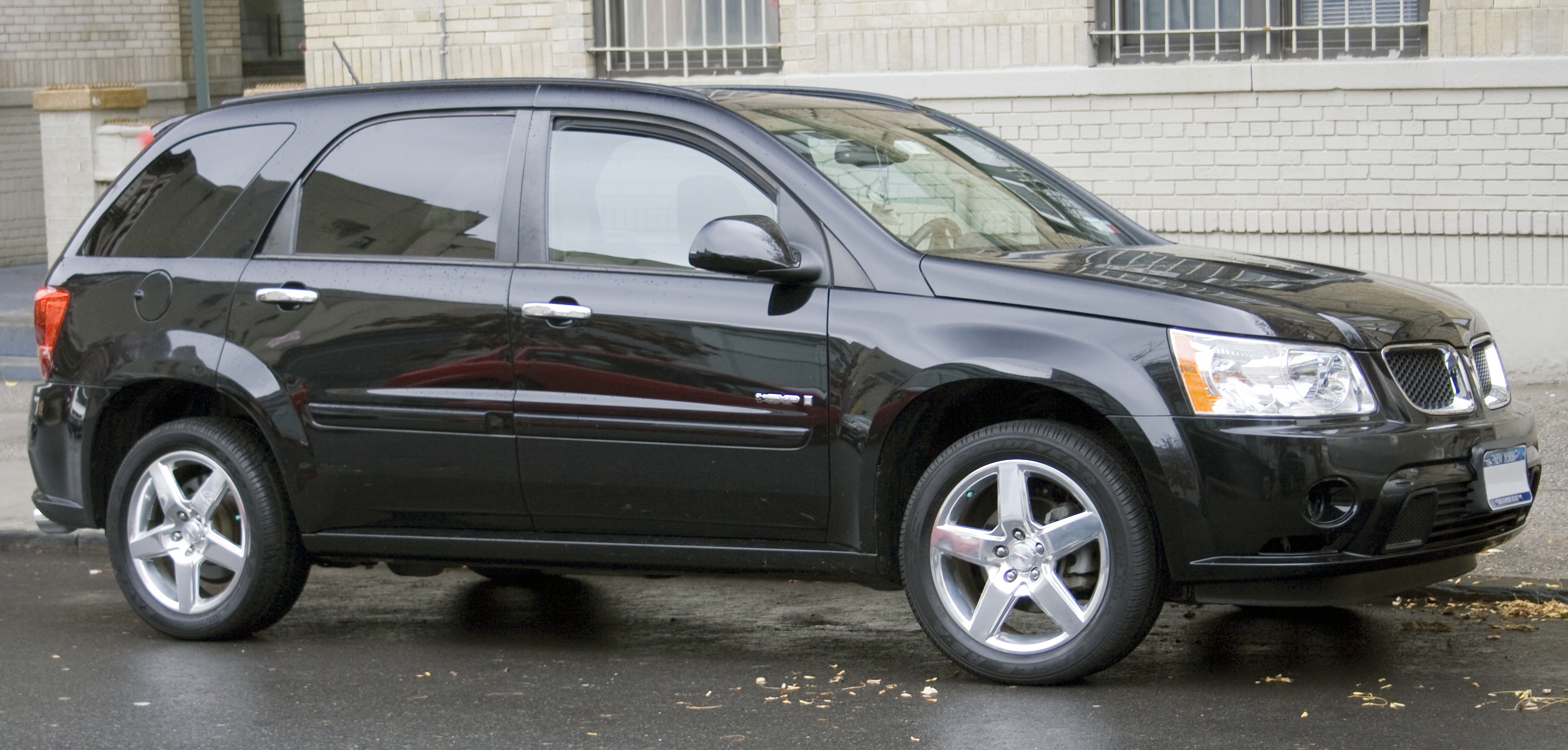 Pontiac Torrent - Information and photos - MOMENTcar