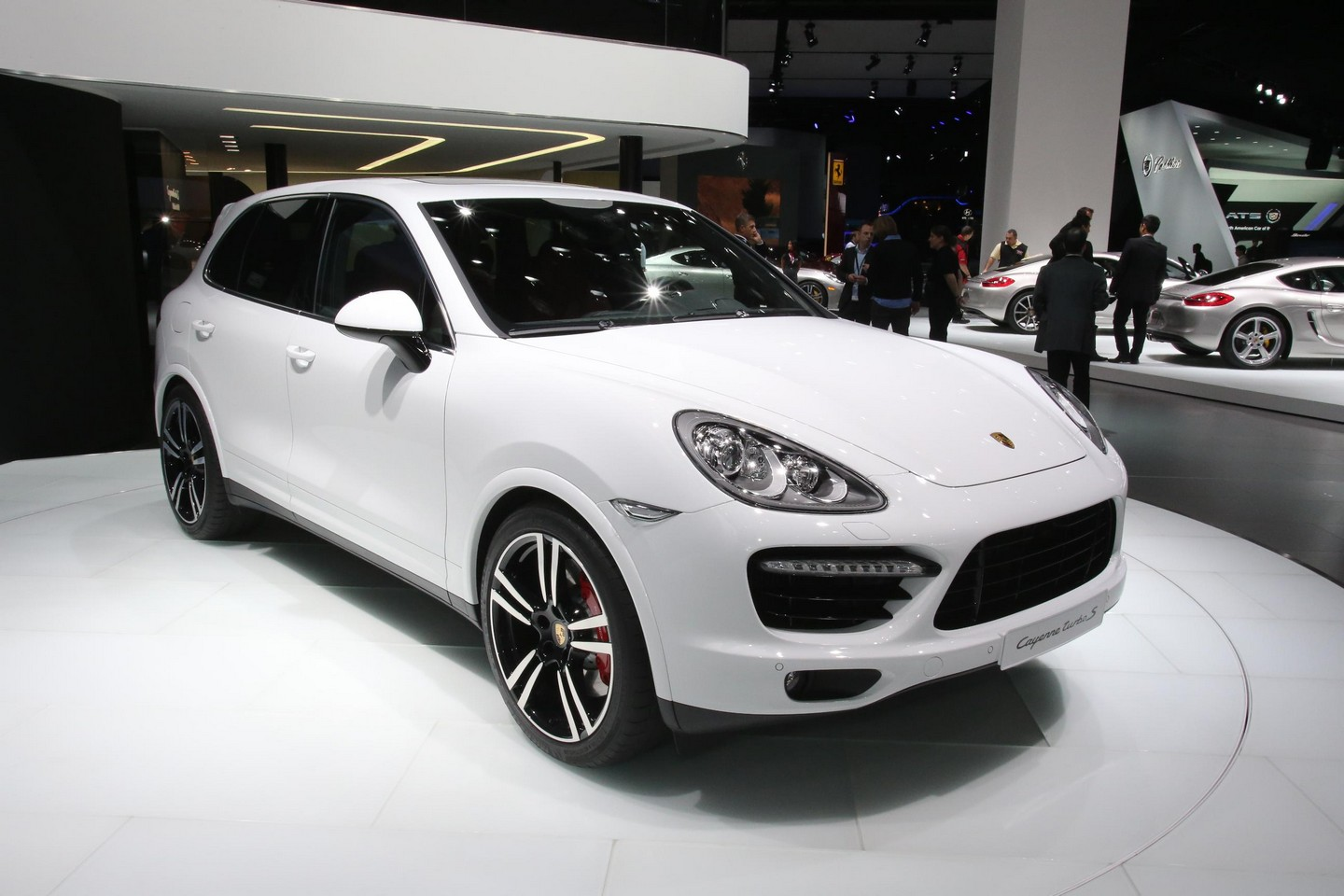 2014 porsche cayenne information and photos momentcar. Black Bedroom Furniture Sets. Home Design Ideas