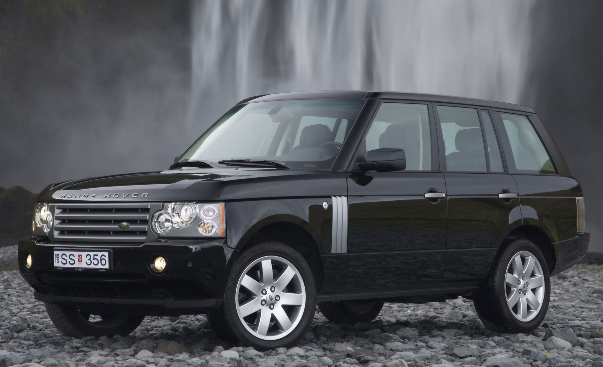 Range Rover shows the class in the range of full-sized luxury Land Rover 2008 SUVs #8