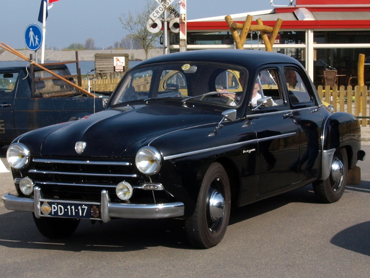 Renault Fregate - Information and photos - MOMENTcar