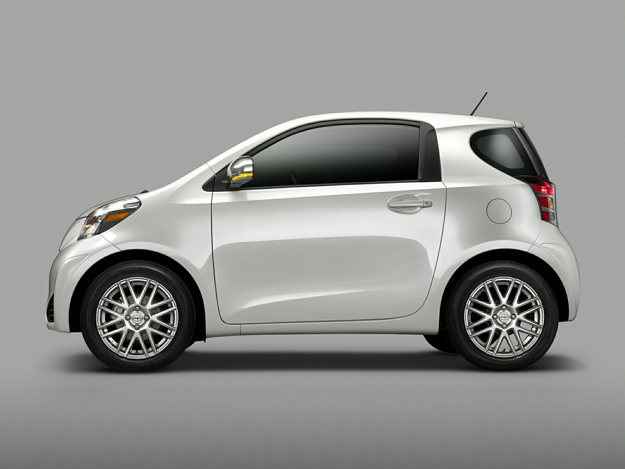 Scion iQ 2014 #4
