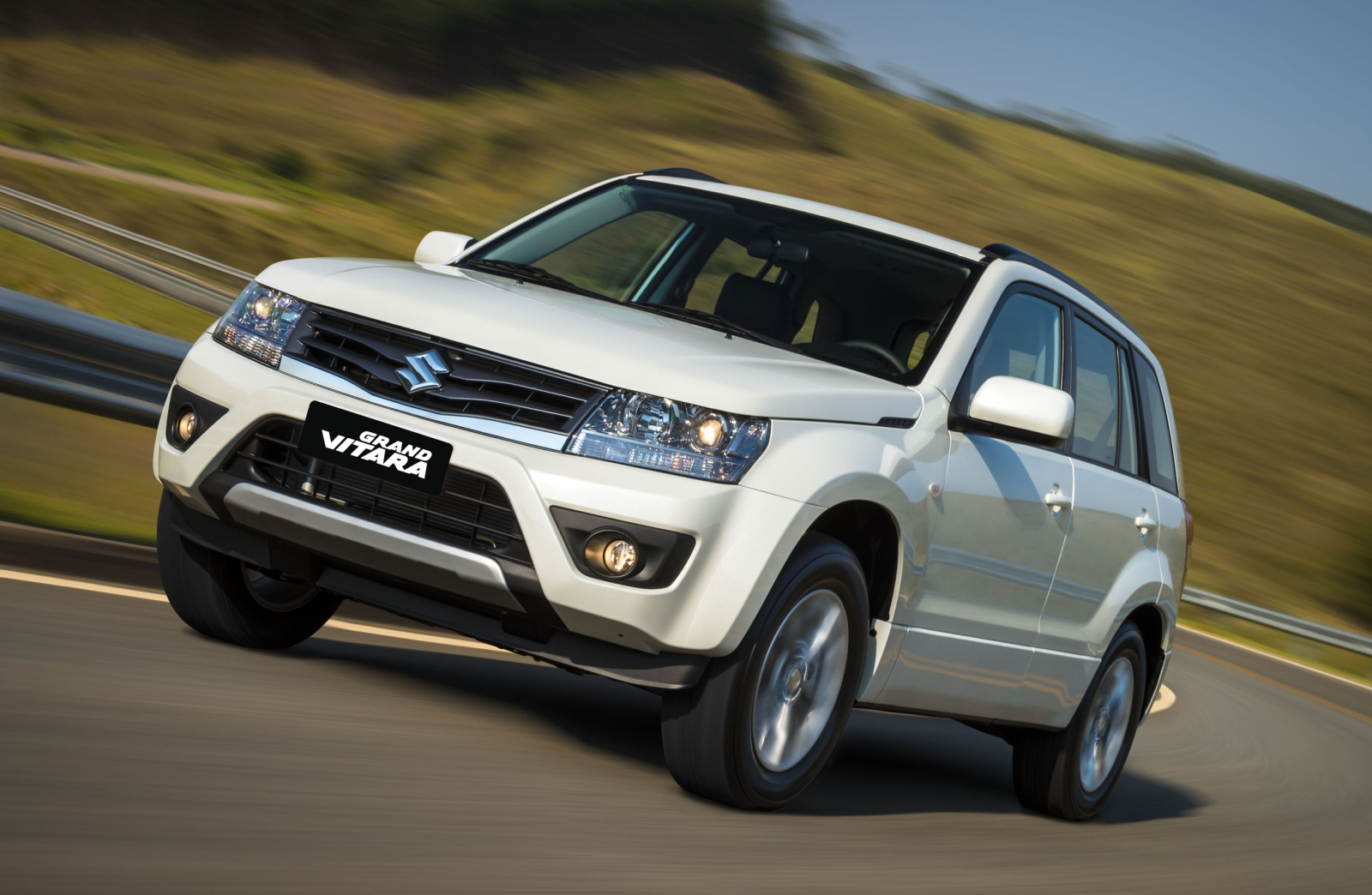 2013 Suzuki Grand Vitara - Information and photos - MOMENTcar
