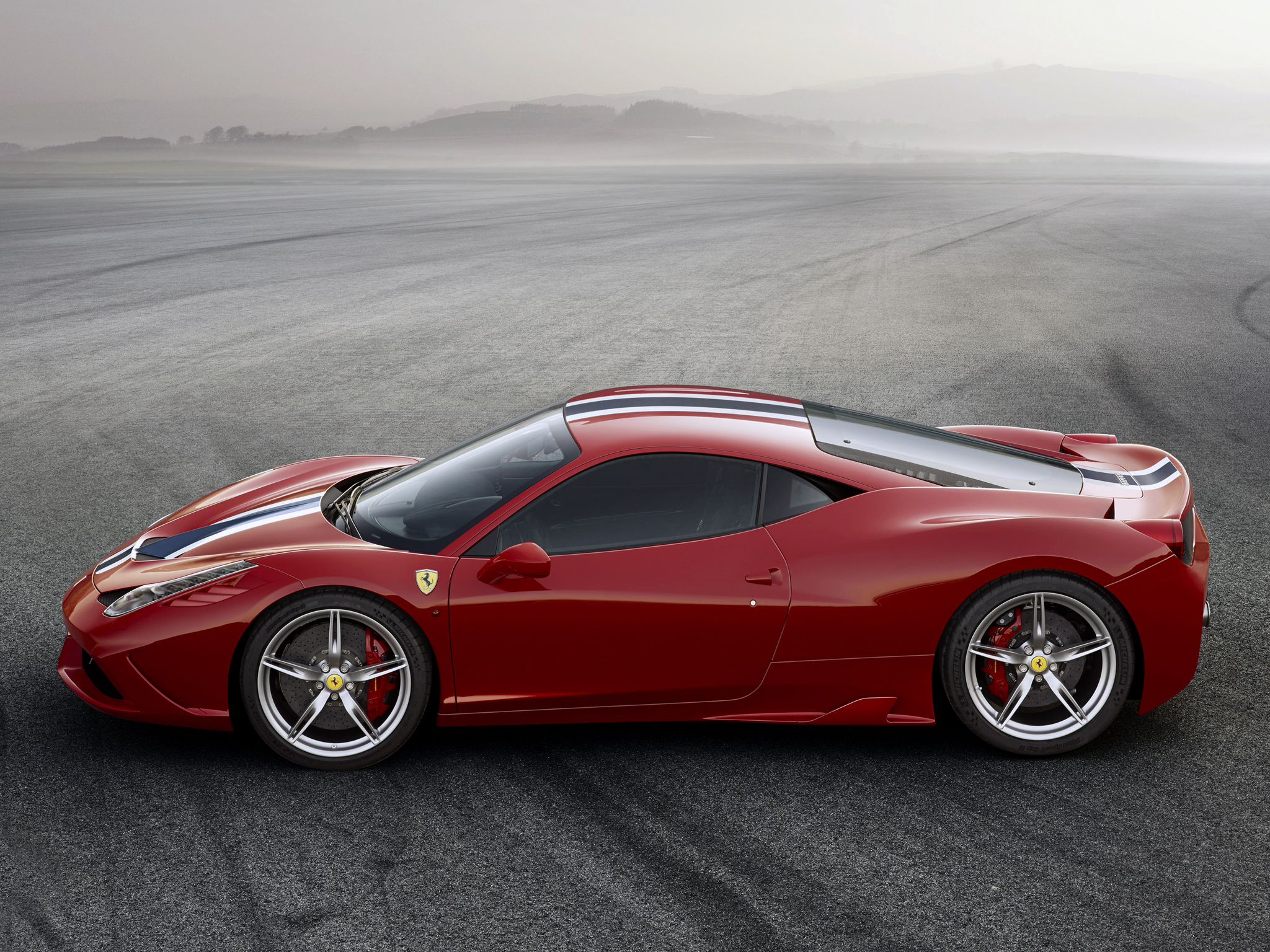 The Engine of the Year in Ferrari 2013 458 Speciale  #11
