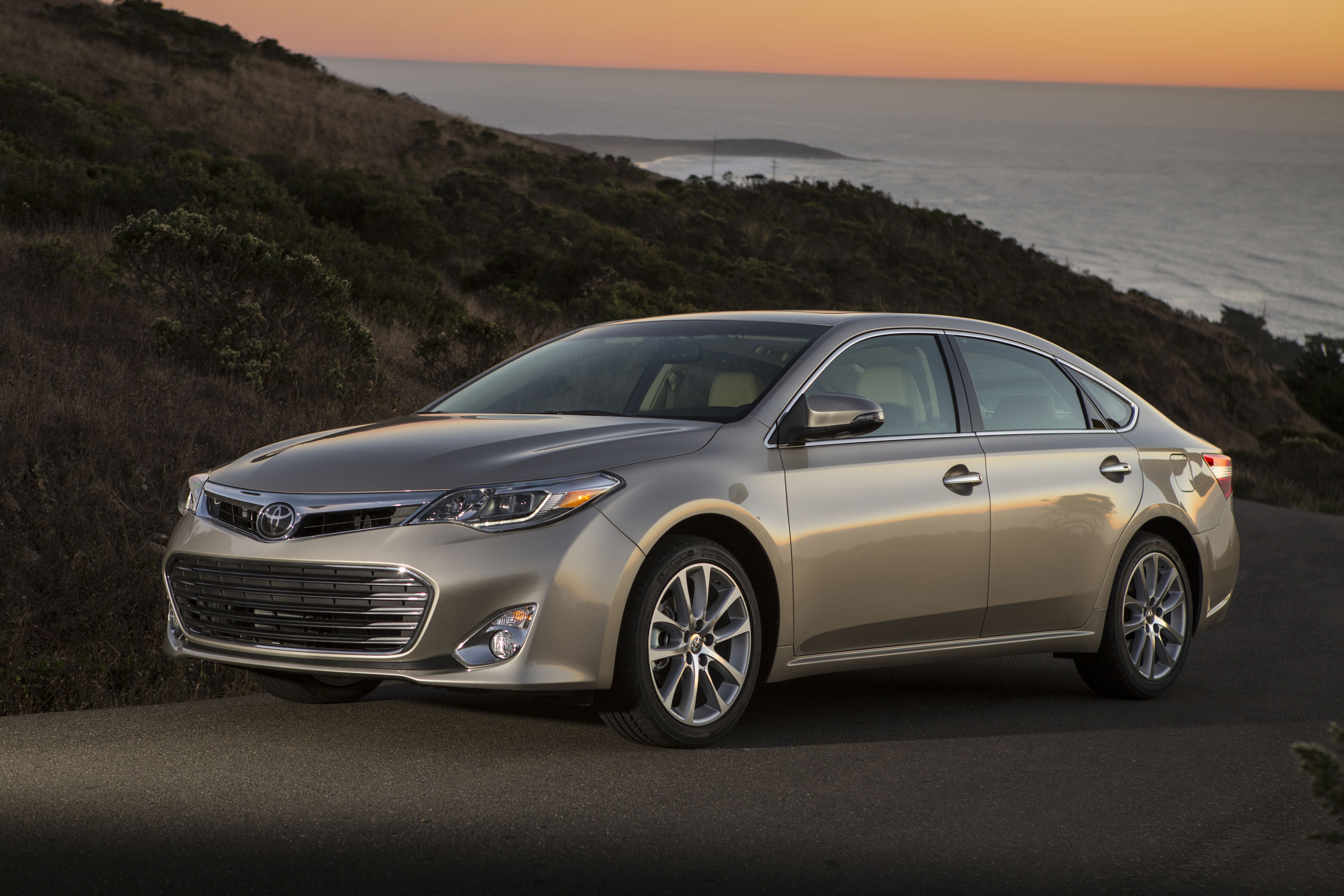 Toyota Avalon Limited #7