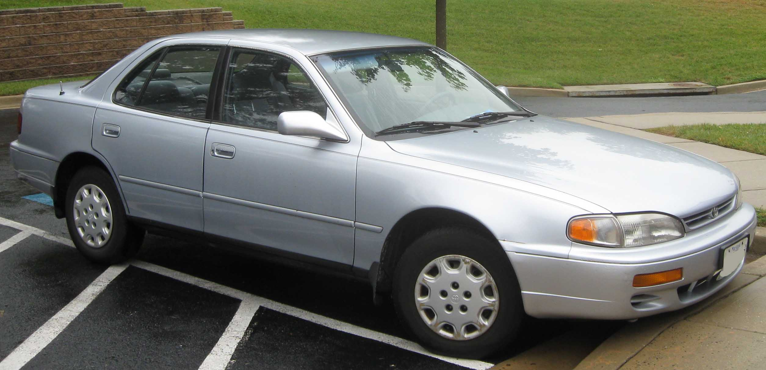 Toyota Camry 191px Image 1