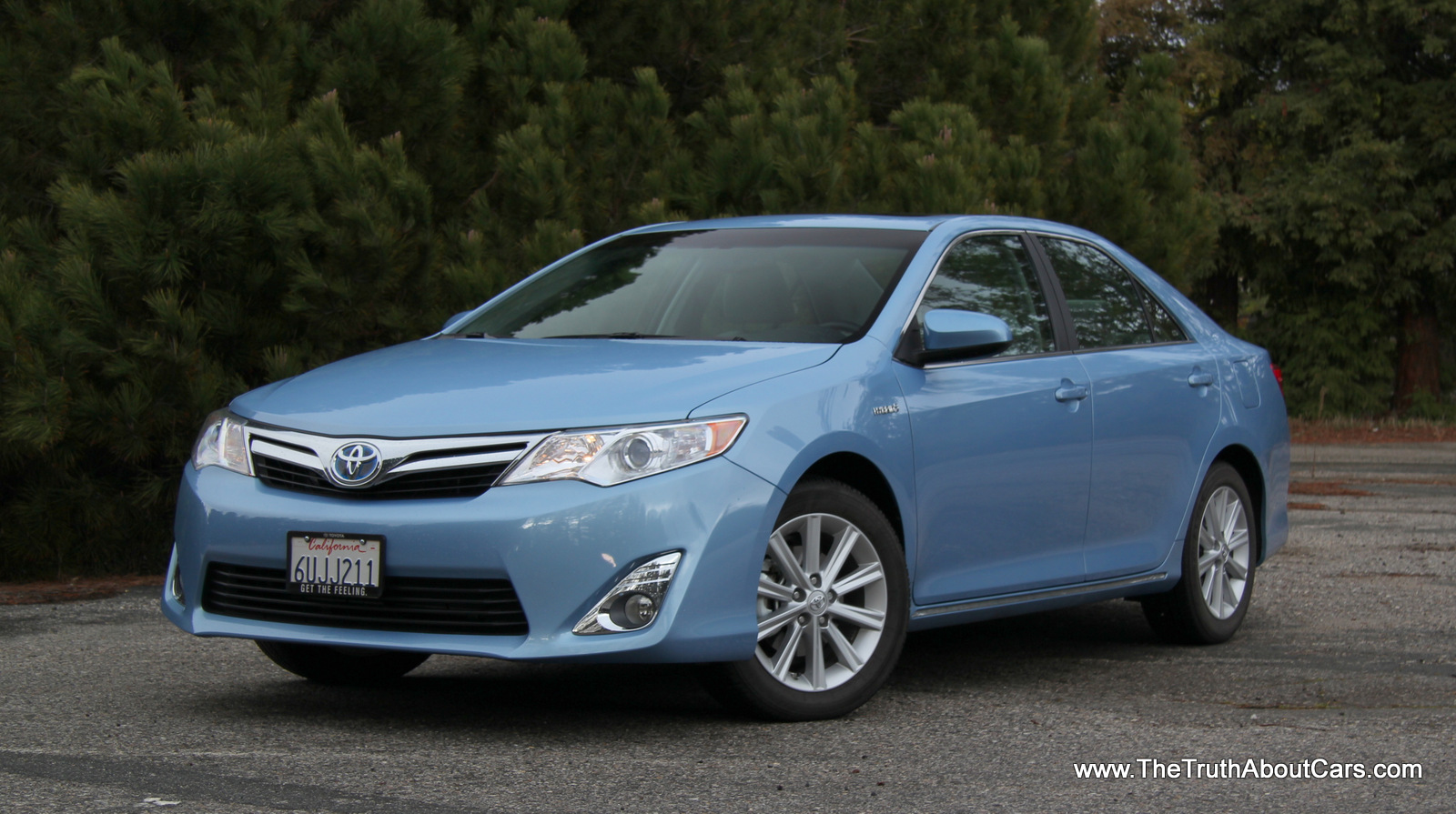 toyota camry hybrid 2012 2012 toyota camry hybrid first drive photo gallery autoblog 2012. Black Bedroom Furniture Sets. Home Design Ideas
