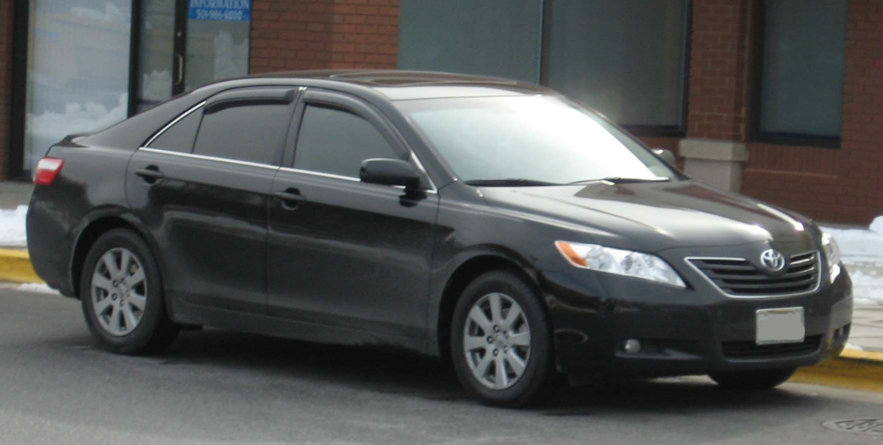 Toyota Camry XLE #29