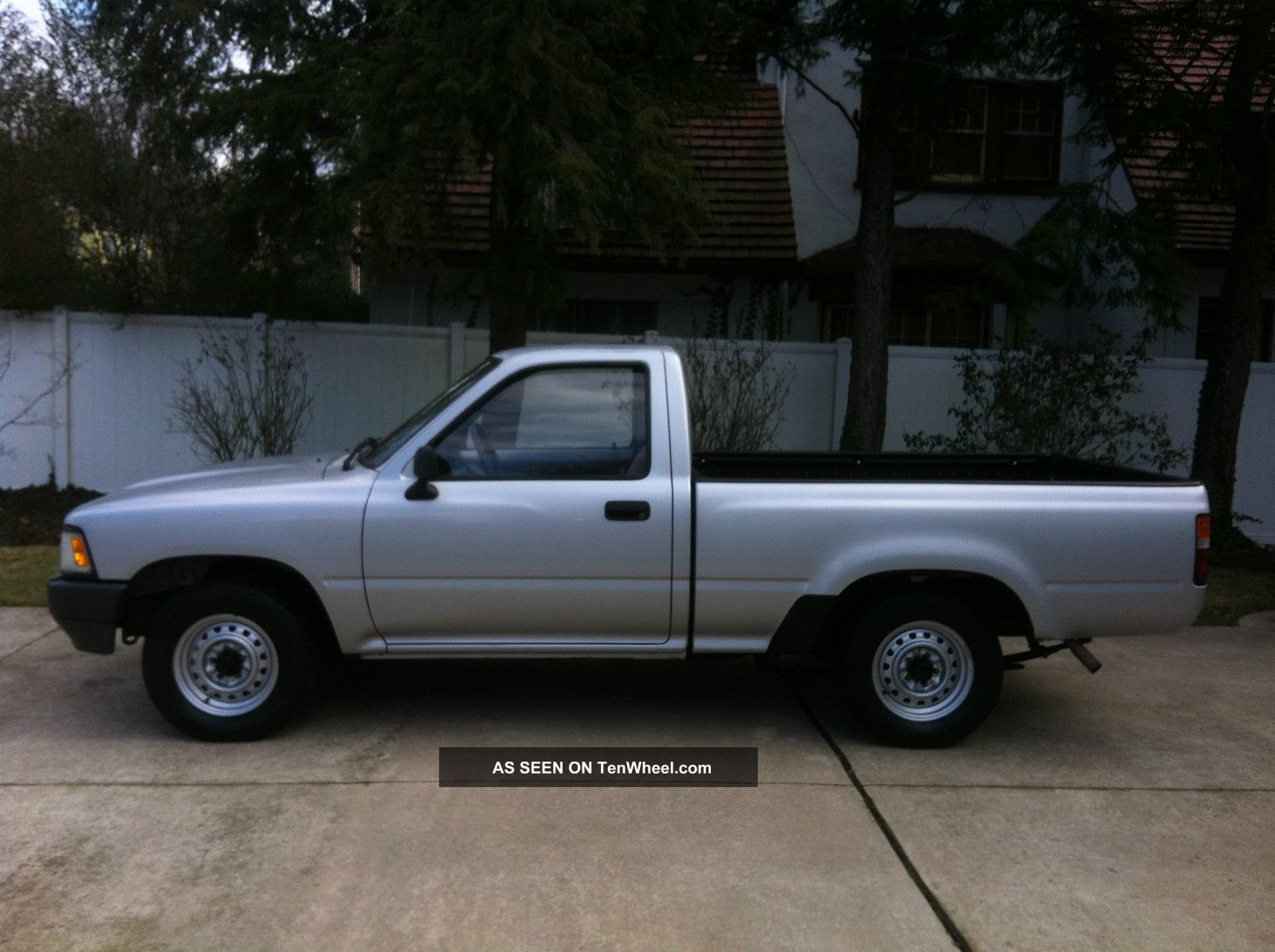 Toyota Pickup Base #16