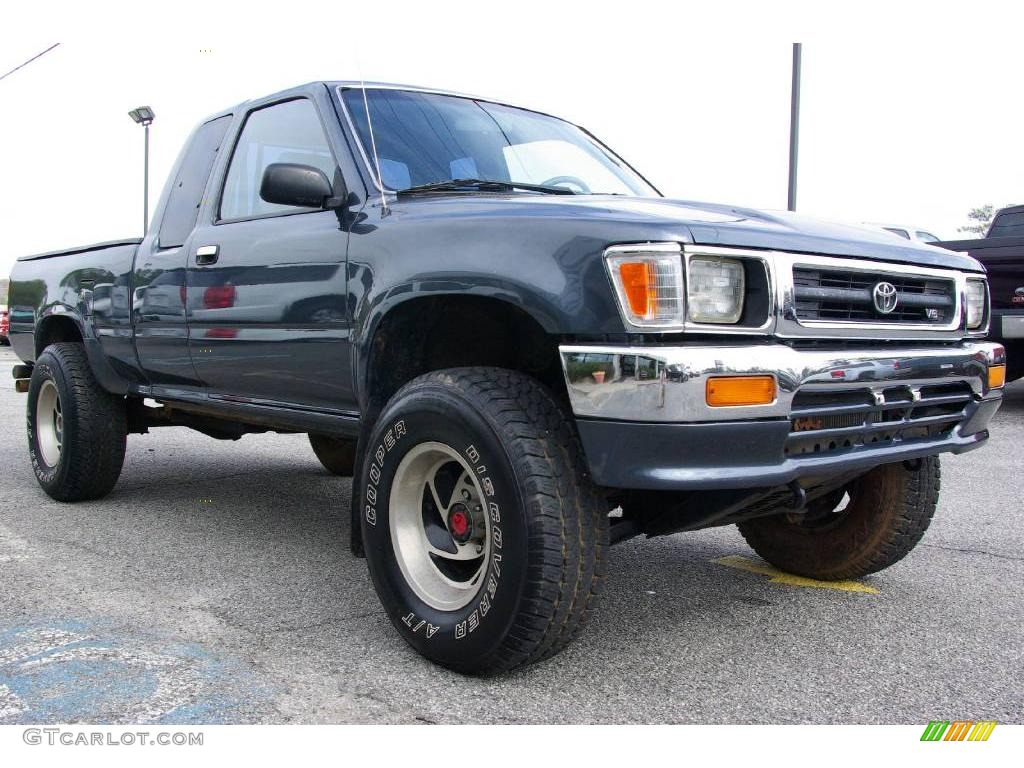 Toyota Pickup DX V6 #2