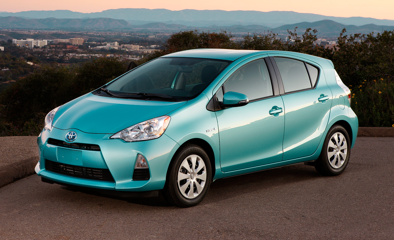 2014 toyota prius c information and photos momentcar. Black Bedroom Furniture Sets. Home Design Ideas