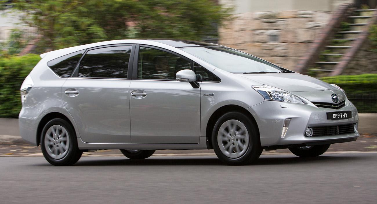 2013 toyota prius v information and photos momentcar. Black Bedroom Furniture Sets. Home Design Ideas
