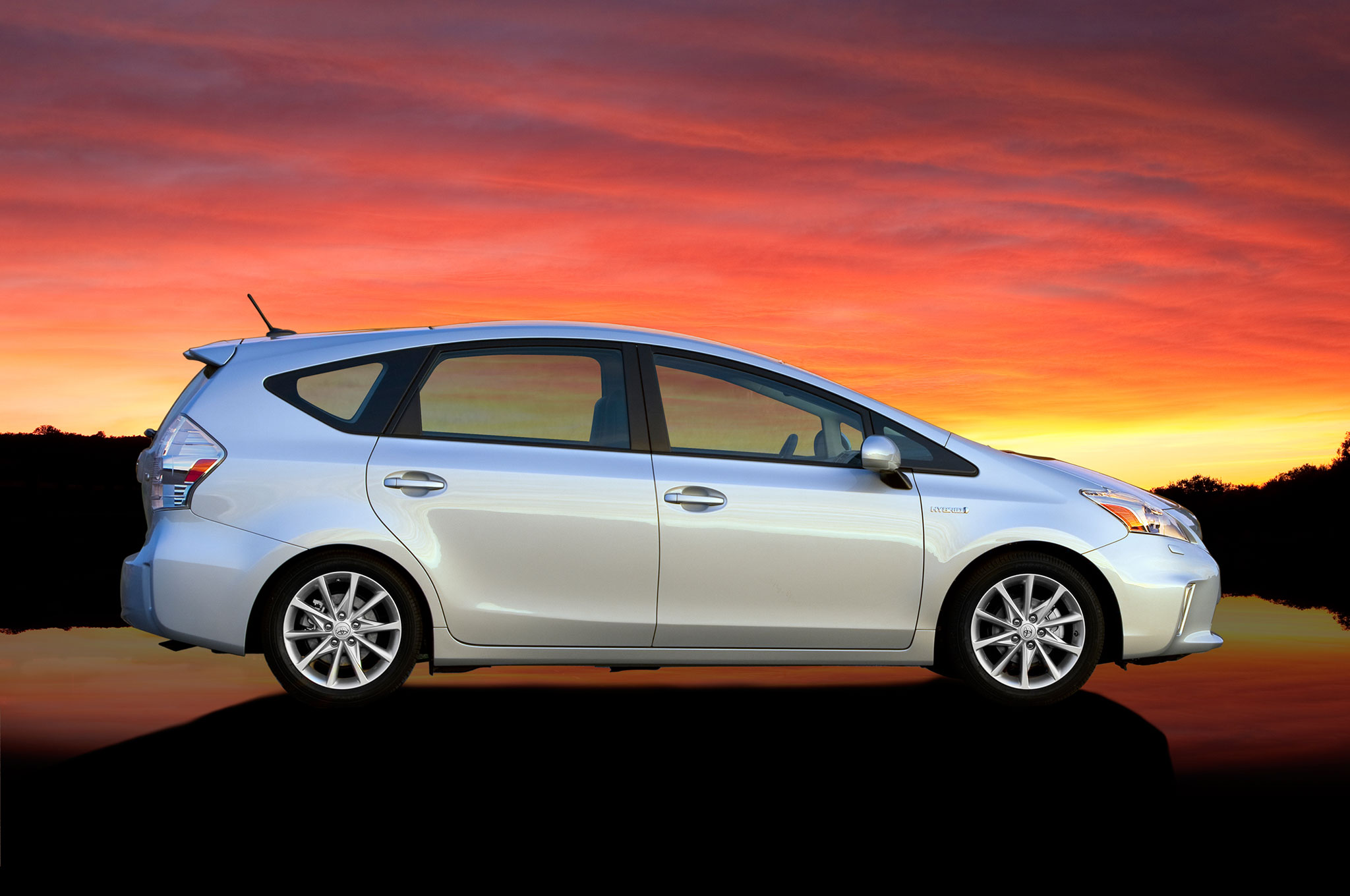 2014 toyota prius v information and photos momentcar. Black Bedroom Furniture Sets. Home Design Ideas