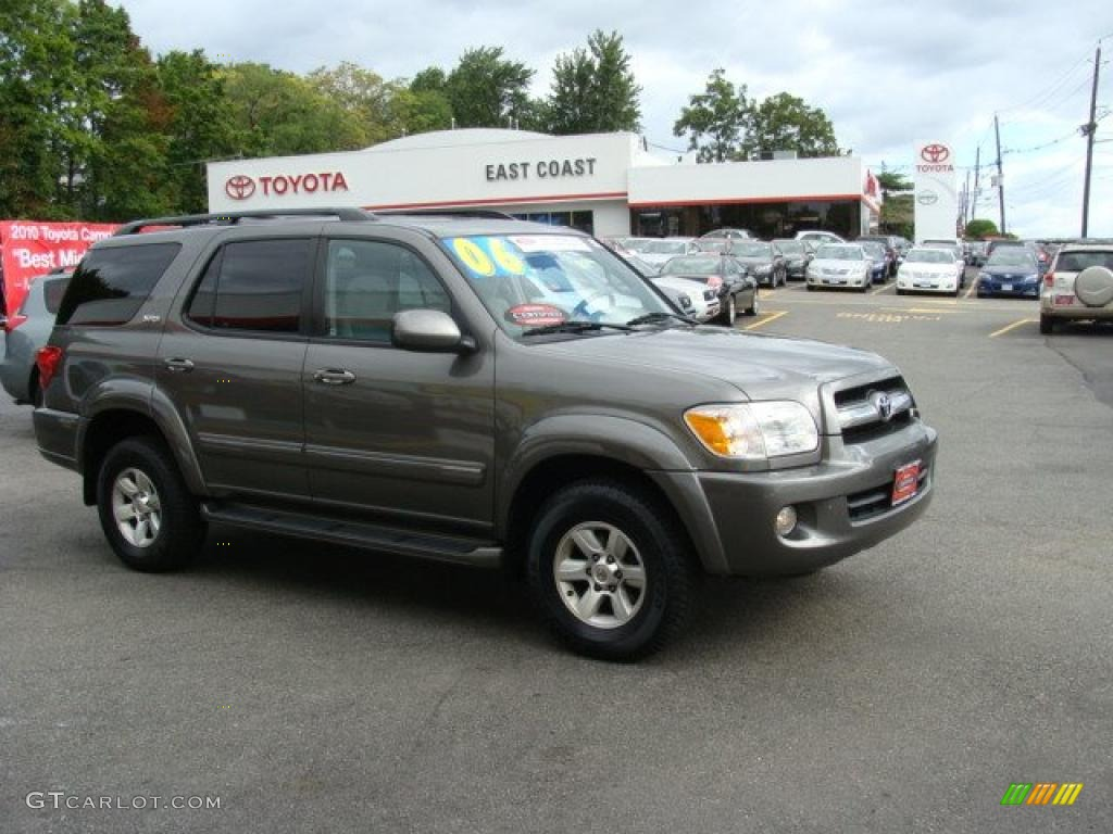 2006 toyota sequoia information and photos momentcar. Black Bedroom Furniture Sets. Home Design Ideas