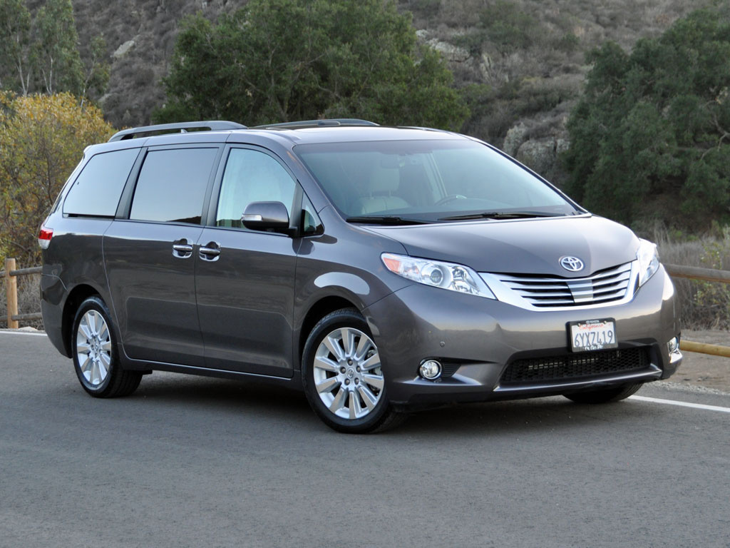2014 toyota sienna information and photos momentcar. Black Bedroom Furniture Sets. Home Design Ideas