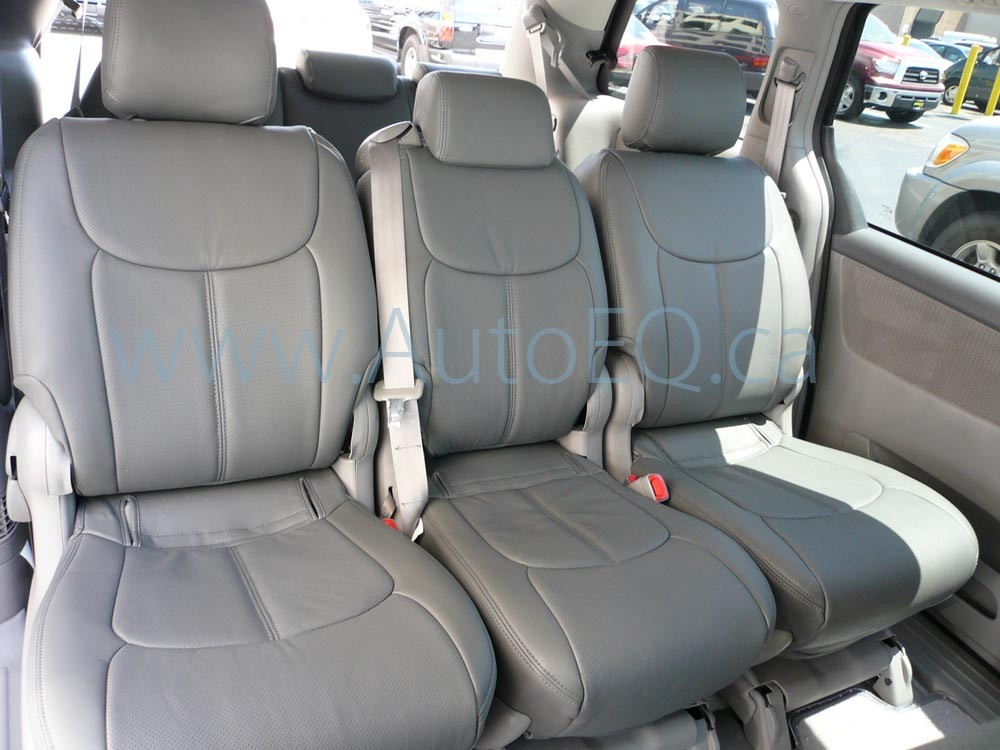 toyota sienna information and photos momentcar. Black Bedroom Furniture Sets. Home Design Ideas