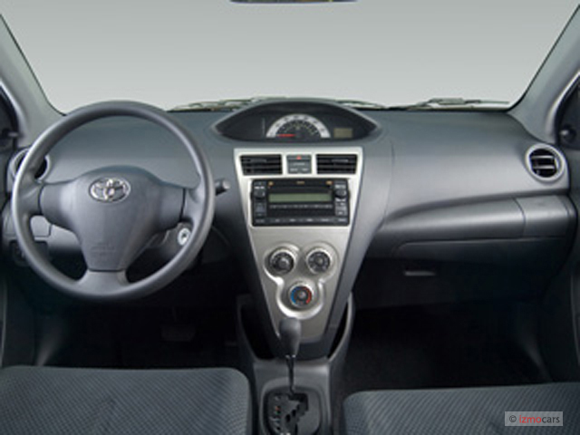 Toyota Yaris Base #14
