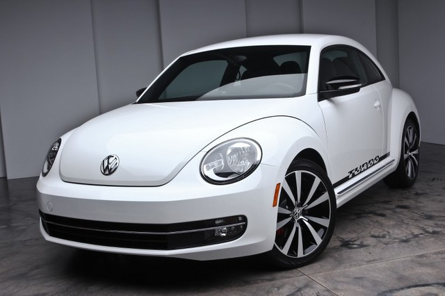 Volkswagen Beetle 2.0T White Turbo Launch Edition PZEV #24