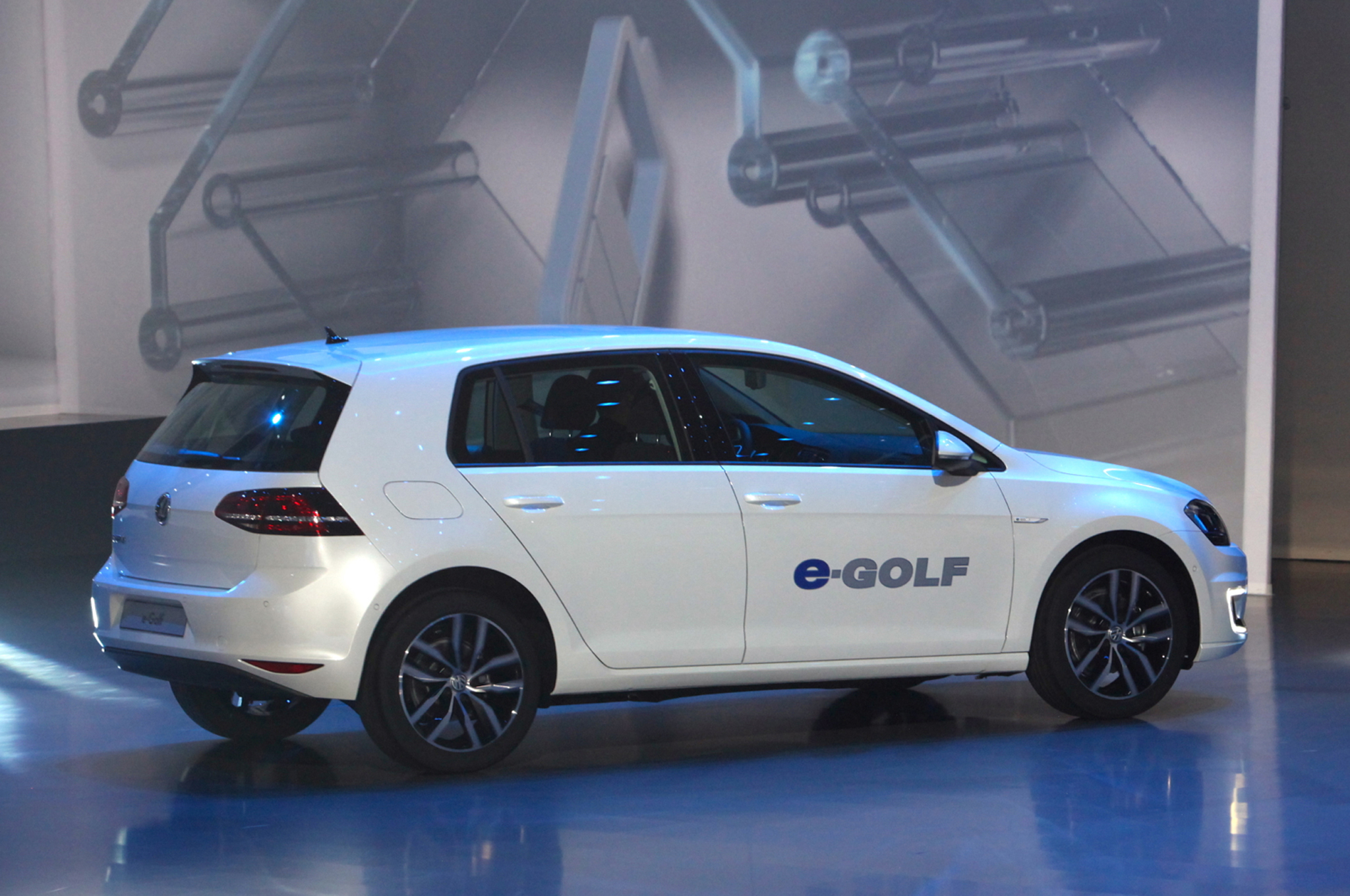 Volkswagen e-Golf #11